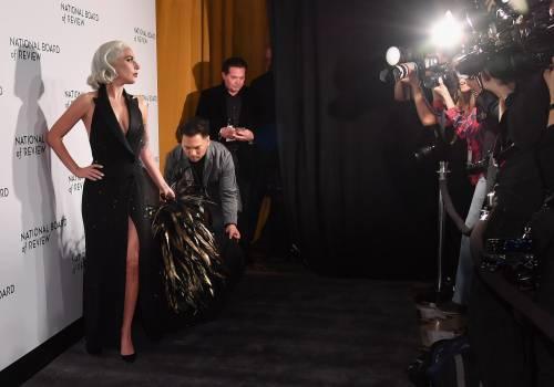 Lady Gaga sexy e chic sul red carpet: foto 1