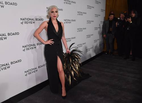 Lady Gaga sexy e chic sul red carpet: foto 3