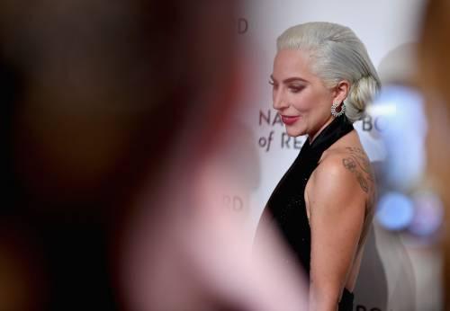 Lady Gaga sexy e chic sul red carpet: foto 7