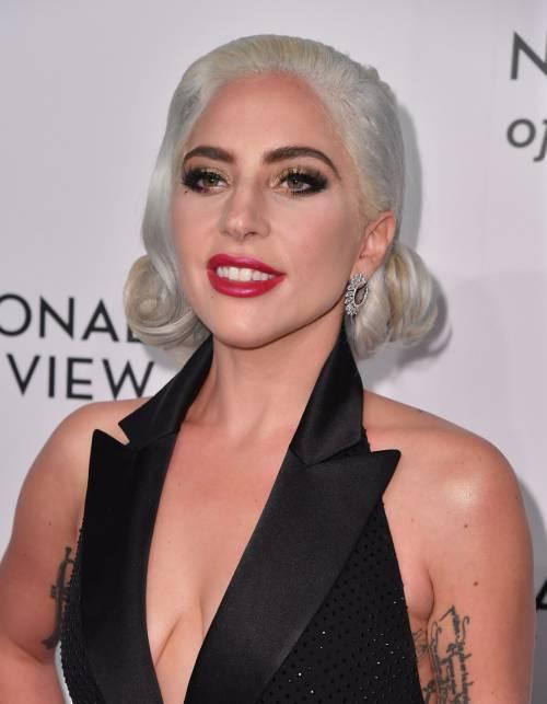 Lady Gaga sexy e chic sul red carpet: foto 9