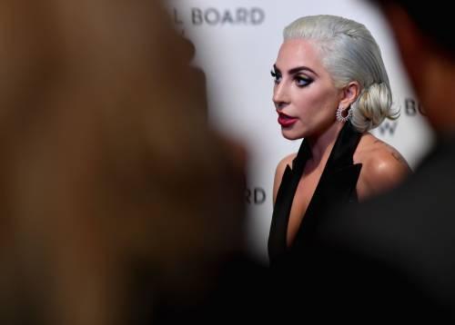 Lady Gaga sexy e chic sul red carpet: foto 11