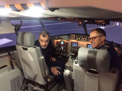 """Canadair, così si addestrano i """"bombardieri"""" antincendio"""