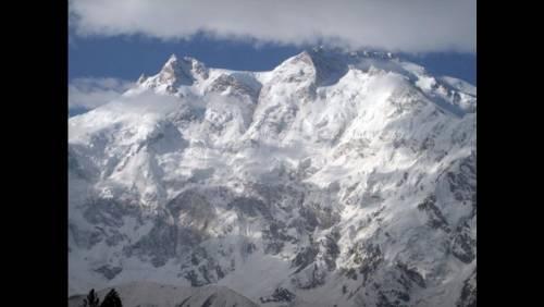 Quegli alpinisti senza limite a caccia dell'impresa assoluta