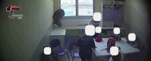Bari, botte ai bimbi autistici. Arrestate quattro maestre per maltrattamenti