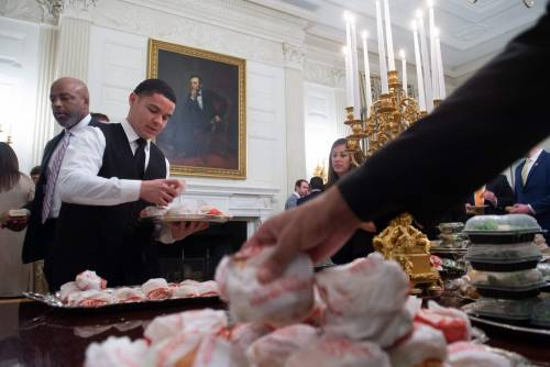 Donald Trump e la cena fast food 3