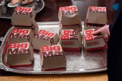 Donald Trump e la cena fast food 9