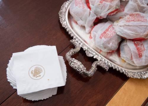 Donald Trump e la cena fast food 1