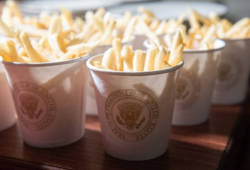 Donald Trump e la cena fast food 7