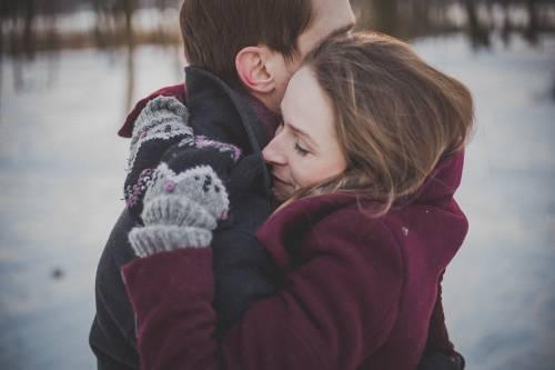 La giornata mondiale dell'abbraccio nel giorno più triste dell'anno