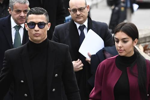 Cristiano Ronaldo e Georgina Rodriguez a Madrid: ecco gli scatti della coppia 11