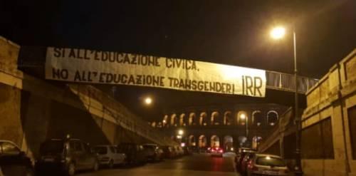 """Ultras laziali sulle """"lezioni"""" di Luxuria: """"No all'educazione transgender"""""""