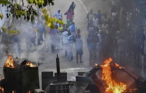 Venezuela, violente proteste contro Nicolas Maduro 3