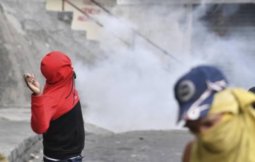 Venezuela, violente proteste contro Nicolas Maduro 2