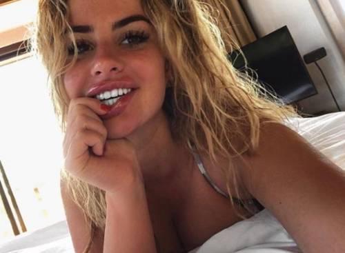 Chloe Ayling, le immagini più sexy 9