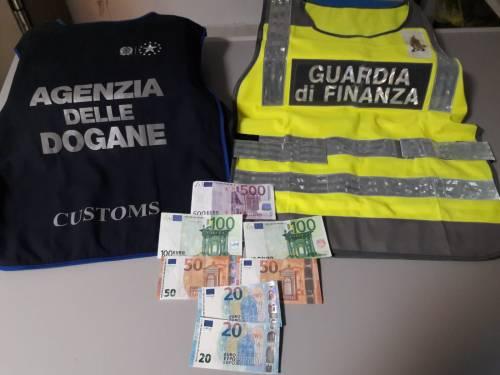 Pizzicato con le banconote false all'Aeroporto, arrestato