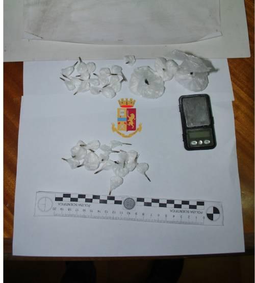 Scoperti in auto con la cocaina, arrestati