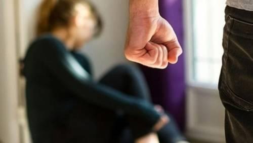 Carcere per un romeno pregiudicato: costringeva 22enne a prostituirsi