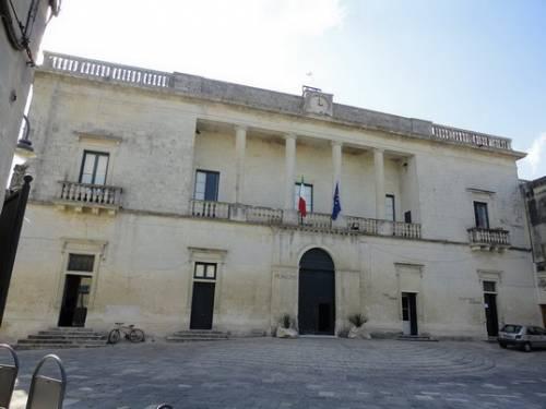 Otranto, spuntano le cimici al Comune
