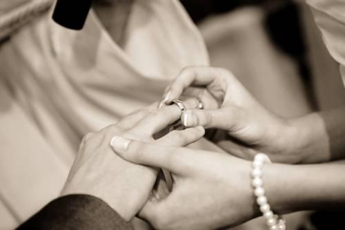 Il matrimonio rende le persone più forti