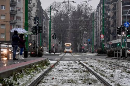 Arriva il maltempo: ecco la città di Milano imbiancata  11