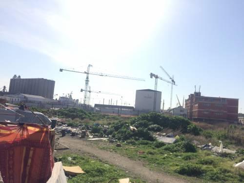 Napoli, nel parco della Marinella: tra rifiuti, tossicodipendenti e disperati 6
