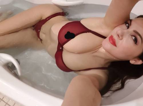Valentina Nappi hot su Instagram 11
