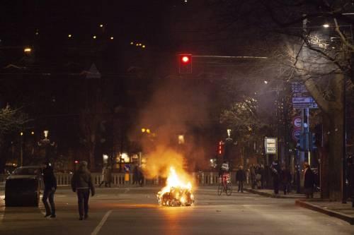 """Torino, già scarcerati gli anarchici. Ira della polizia: """"Vanificato il nostro lavoro"""""""