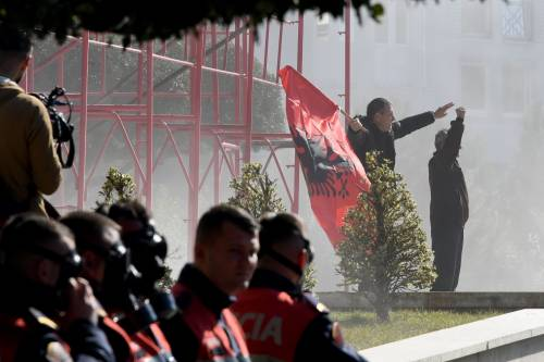 Proteste a Tirana contro il governo 5