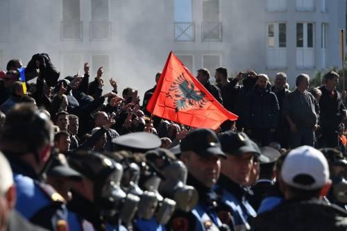 Proteste a Tirana contro il governo 6
