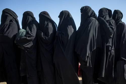 Proposta della Merkel: revocare la cittadinanza a chi ha aderito all'Isis