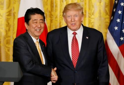 Giappone, Shinzo Abe ha chiesto di nominare Trump al Nobel per la Pace