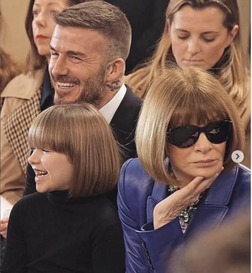 La figlia di Victoria Beckham acconciata come Anna Wintour