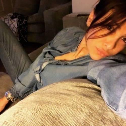 La mamma di Zaniolo spopola su Instagram: gli scatti di Francesca Costa 3