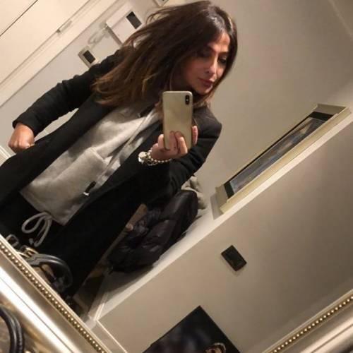 La mamma di Zaniolo spopola su Instagram: gli scatti di Francesca Costa 12