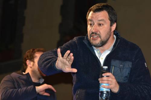 """Salvini: """"Viva l'Italia, l'Italia s'è desta o sono processabile perché non mi piace Saviano?"""""""