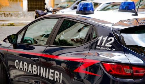 Casamonica, i carabinieri sequestrano appartamento occupato abusivamente