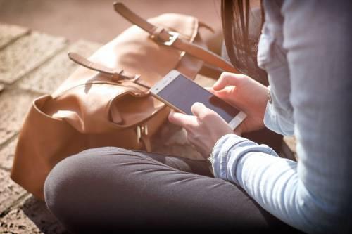 Sesso: gli adolescenti si informano su Internet