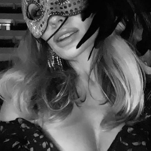 Abbey Clancy sensuale su Instagram: gli scatti di lady Crouch 5