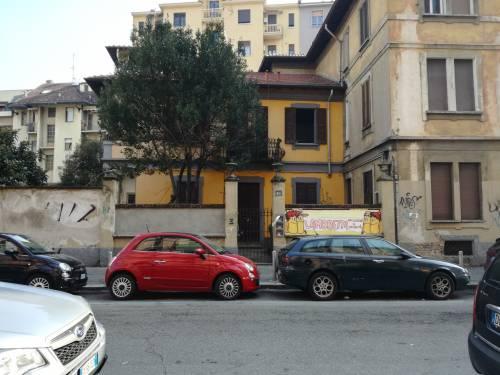 """Milano, il """"tour"""" dei centri sociali 6"""