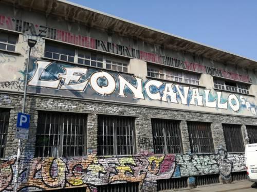 """Milano, il """"tour"""" dei centri sociali 9"""