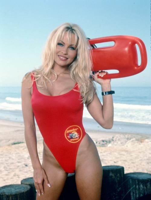 Baywatch Remastered: tornano i bagnini più famosi della Tv! 6