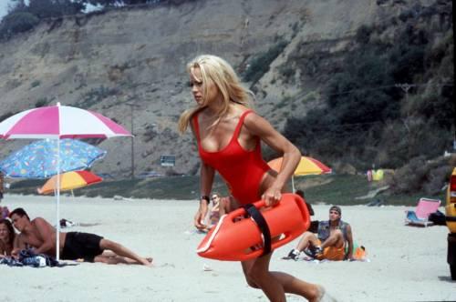 Baywatch Remastered: tornano i bagnini più famosi della Tv! 8
