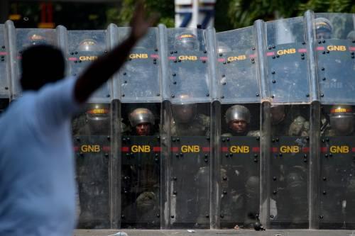 Scontri  al confine fra Venezuela e Colombia 7