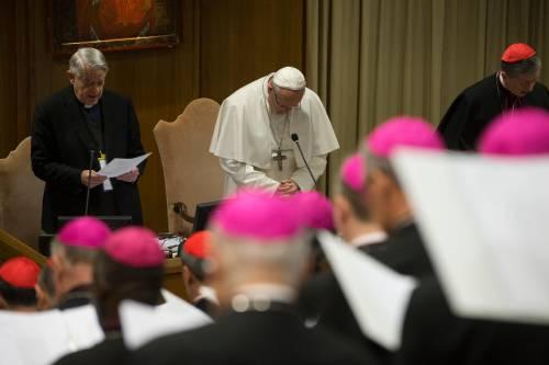 """Gli scandali che hanno travolto il """"cerchio magico"""" del papa"""