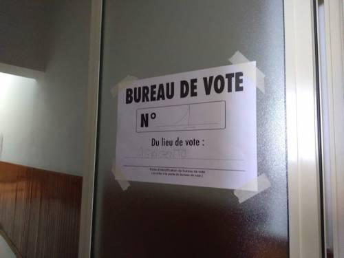 In fila per votare per le elezioni in Senegal  3