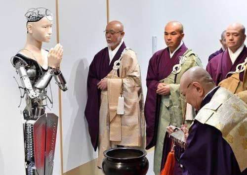 Giappone, nel tempio buddhista arriva il monaco robot