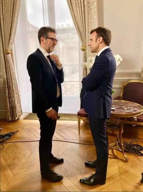 """E Fazio va all'Eliseo da Macron: """"Un onore intervistarlo"""""""