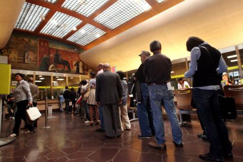 Reddito di cittadinanza, caos negli uffici postali
