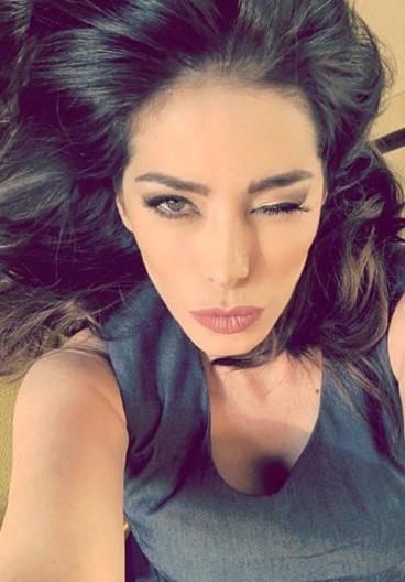 Aida Yespica, i selfie più sexy 1