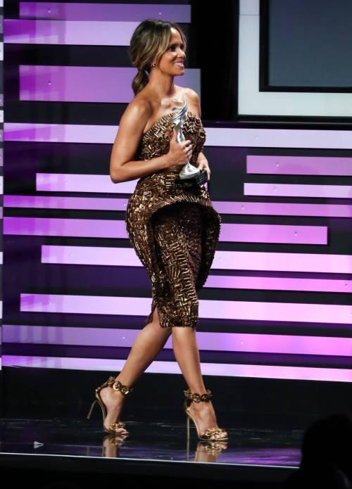 Halle Berry, le immagini più sexy 8